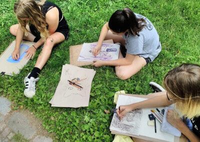Urban sketching: krerslení s dětmi v parku
