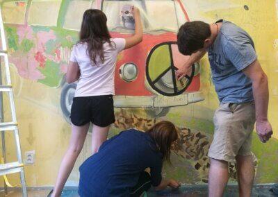 Společné malování na zeď a akryl